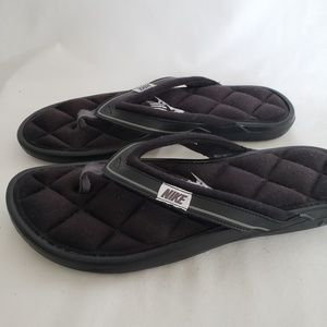 Ladies Nike black white quilted thong sandals